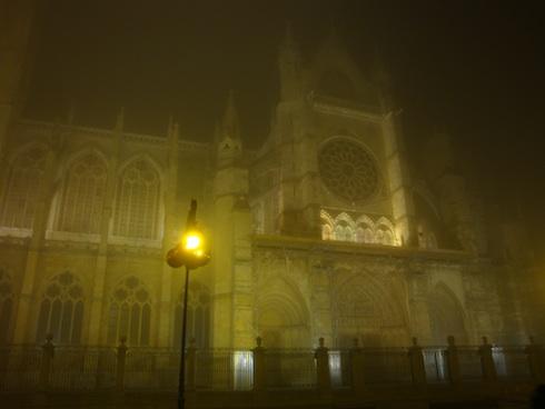 catedral-niebla-2